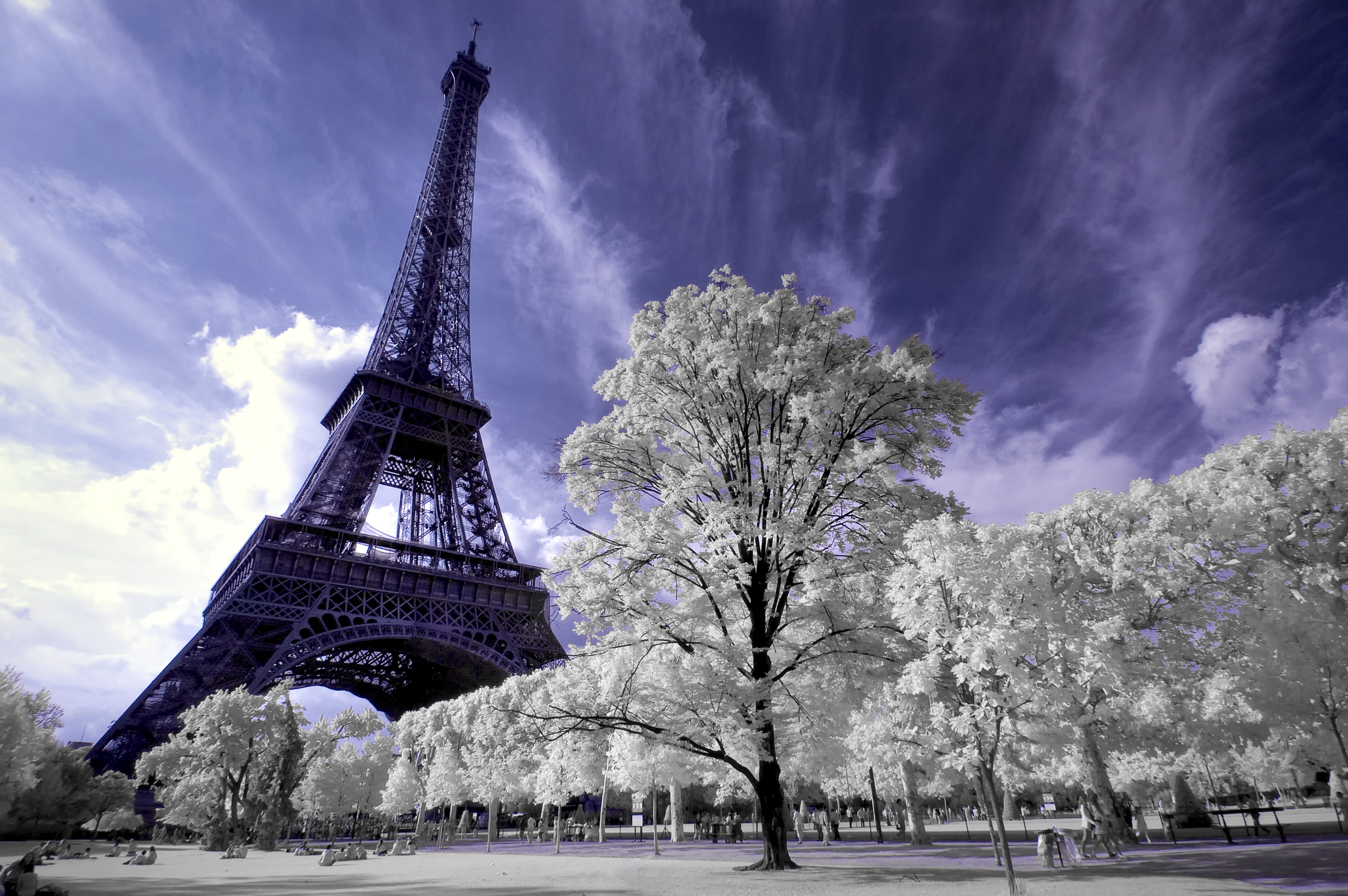 eiffel-tower-ir-02